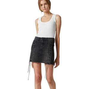 Blank NYC lace up front hi rise denim skirt 25